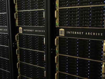 Hình ảnh tủ lưu trữ dữ liệu của Archive.org